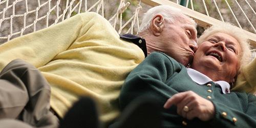 couple de retraité, usagers de véranda
